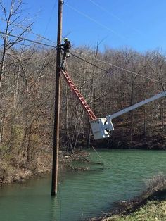 Lineman doing his best after Hurricane Florence