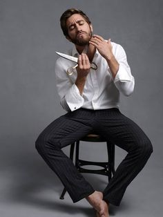 Jake Gyllenhaal in Long Sleeve. is listed (or ranked) 10 on the list Hot Jake Gyllenhaal Photos Man Street Style, Esquire Uk, Mode Masculine, Well Dressed Men, Gorgeous Men, Hello Gorgeous, Persona, How To Look Better, Hot Guys