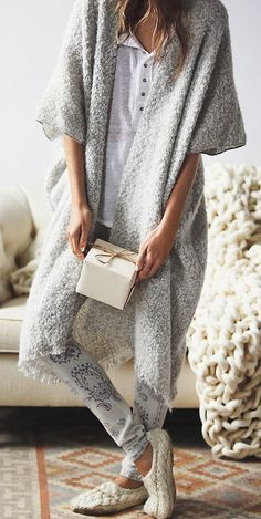 This is the perfect stay at home outfit!!!! If only this cardi had sleeves!