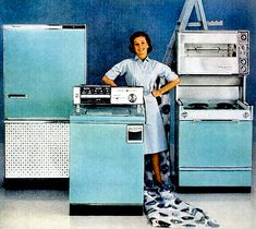 After the pink appliance phase curbed, we hit the turquoise appliance phone - GE Appliances - 1962 Vintage Kitchen Appliances, Home Appliances, 1960s Kitchen, Vintage Advertisements, Vintage Ads, Vintage Stoves, Turquoise Kitchen, Mid Century Modern Kitchen, Pastel