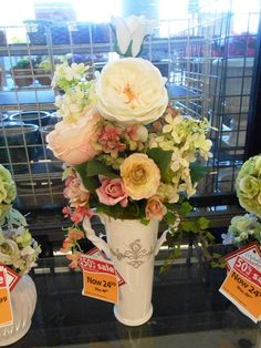Romantic Victorian arrangement -Christina Villasenor 3046