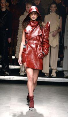 Amsterdam Fashion Week salta la stagione e torna in autunno, ma i brand olandesi di talento hanno presentato collezioni Autunno/Inverno 2018-19 di cui sentiremo parlare