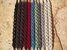 Micro-macrame knotted bracelet tutorials with photos step-by-step, macrame, makr… – Macrame Bracelets Macrame Bracelet Patterns, Macrame Bracelet Tutorial, Friendship Bracelets Tutorial, Diy Bracelets Easy, Macrame Patterns, Macrame Bracelets, Loom Bracelets, Bracelet Knots, Knotted Bracelet
