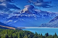 Mt Cook from Peter's Lookout by Daniel Schwabe, via Flickr
