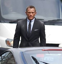 New images from James Bond - Skyfall: First looks at Javier Bardem as well as Daniel Craig and the famous Aston Martin Daniel Craig James Bond, Daniel Craig Skyfall, Craig Bond, Estilo James Bond, James Bond Style, New James Bond, James Bond Skyfall, James Bond Movies, Javier Bardem