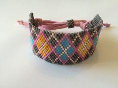 Gri üzeri çok renkli desenli çok şık miyuki bileklik Loom Bracelets, Peyote Stitch, Brick Stitch, Bead Weaving, Stitch Patterns, Beads, Jewelry, Bangle Bracelets, Beading