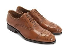 A subtle banker's shoe with a trimmed leather sole, The Brandenburg Light is the unisexy shoe for those seeking to be victorious on the battlefield of bowling alley board meetings and boardwalk barbeques. Produced in our favourite Vietnamese factory, owned by Japanese shoe-makers, who were trained in England using 19th century traditional methods, the Gateway Family as a whole are some of the most classically fabricated shoes we have made in recent years. Featuring Italian leathers and…