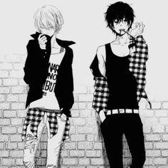 Hijiro hat einen Zwillingsbruder. Die beiden standen sich einmal sehr Nahe, das Verhältnis zerbrach jedoch, als ihre Mutter starb.