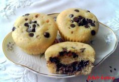 Csokoládécseppel és nutellával töltött muffin