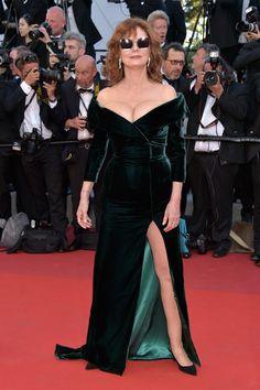 Susan Sarandon - Inspiring Body Positive Celebs Who Rock the Red Carpet - Photos