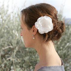 #Haarbloem Philina #bruid #bruidskapsel #weddinghair #bride / www.witenzilver.nl