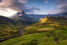Epic Trekking Trails In The : North Drakensberg Traverse Beautiful Places To Visit, Cool Places To Visit, Photography Backdrop Stand, Natural Swimming Pools, Continental Divide, Kwazulu Natal, Nature Reserve, Landscape Photos, Trekking