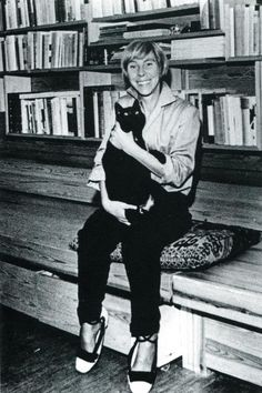 Tove Jansson and her cat.