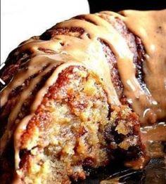Brown Sugar Carmel Pound Cake Ein dekadenter Zitronen-Heidelbeer-Käsekuchen in .Brown Sugar Carmel Pound Cake A decadent lemon and blueberry cheesecake in . Köstliche Desserts, Delicious Desserts, Dessert Recipes, Yummy Food, Desserts Caramel, Caramel Pecan, Carmel Desserts Easy, Pecan Praline Cake, Dinner Recipes