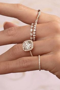 The Best Engagement Rings For Women In 2019 ★ engagement rings for women radiant cut solitaire pave band white gold diamond Unique Diamond Engagement Rings, Vintage Engagement Rings, Unique Rings, Beautiful Rings, Halo Engagement, Pretty Rings, Gold Knot Ring, Most Popular Engagement Rings, Ring Verlobung