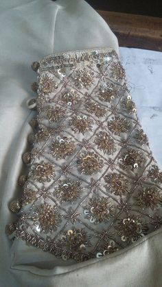 Zardosi Embroidery, Embroidery Suits Punjabi, Hand Embroidery Dress, Embroidery Suits Design, Couture Embroidery, Embroidery Motifs, Embroidery Fashion, Hand Embroidery Designs, Beaded Embroidery
