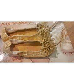 Comprar Mercedes oro Papanatas by Eli | Súper cómoda y adaptable al pie| Gran selección de calzado infantil, variedad de modelos, colores y tallas. #calzadoinfantil #zapatosniña http://www.migatitopepo.es/13-zapatos-nina-merceditas