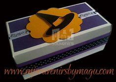 Cajas para dulces Tematica personalizada Materiales: cartulina, cinta Aplique : tag