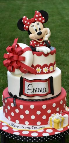 Sweet Minnie Cake Torta Minnie Mouse, Mickey And Minnie Cake, Bolo Minnie, Mickey Cakes, Mini Mouse Birthday Cake, Mini Mouse Cake, Minnie Birthday, Birthday Cake Girls, Friends Cake