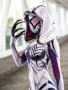 Jamie Tyndall's Gwenom Is Perfect For Cosplay
