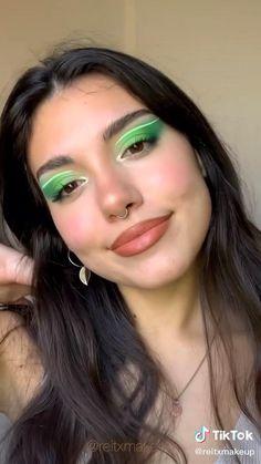 Eyeliner Looks, Eyeshadow Looks, Eye Makeup Art, Face Makeup, Makeup Goals, Makeup Tips, Makeup Package, Indie Makeup, Creative Makeup Looks