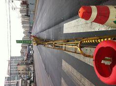 늘 도로 한 가운데 표지판만 세워진 임시버스정류장같은 마음