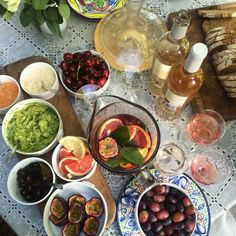 mv-shaw: Tapas 🌿 on www.pl - fashion and lifestyle news Tapas, Food Porn, Brunch, Aesthetic Food, Love Food, Food Photography, Vegan Recipes, Food And Drink, Yummy Food