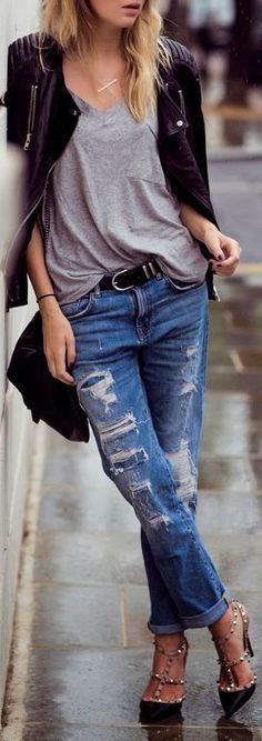 Boyfriend Jeans & Studded Pumps