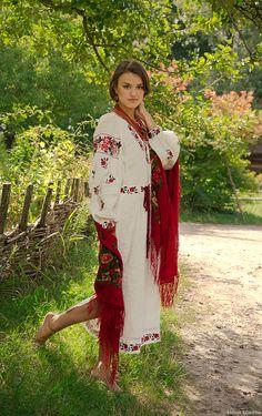 Ukraine, from Iryna with love Folk Fashion, Ethnic Fashion, Womens Fashion, Ukraine Women, Bespoke Clothing, Ethno Style, Barefoot Girls, Ukrainian Art, Russian Fashion