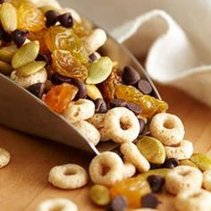 cereal trail mix - kids would LOVE this