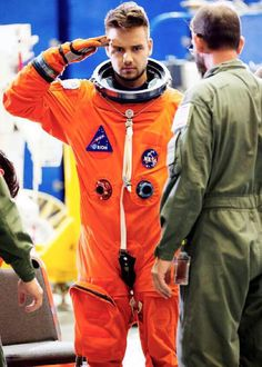 """Just after midnight international pop band One Direction—featuring megastars Harry Styles Liam Payne Louis Tomlinson and Niall Horan—launched the music video of their hit song """"Drag Me Down."""" The space-themed video which was shot at Johnson Space Center Liam James, Liam Payne, One Direction Harry, One Direction Pictures, Wolverhampton, Nicole Scherzinger, Zayn Malik, Niall Horan, Louis Tomlinson"""