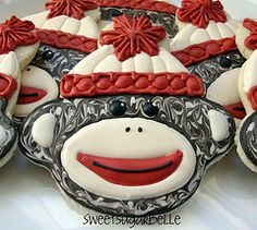 Sock Monkey Cookies Tutorial - Phyllis thought you would like this to add to your cookie designs:) Monkey Cookies, Cute Cookies, Cupcake Cookies, Sugar Cookies, Monkey Cupcakes, Cupcake Art, Fancy Cookies, Baking Cookies, Yummy Cookies