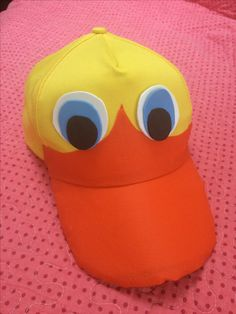 Jockey transformado en cara de Pato Duck Costumes, Cute Halloween Costumes, Halloween Diy, Toddler Duck Costume, Goose Costume, Animal Costumes For Kids, Duck Dynasty Party, Book Week Costume, Bird Costume