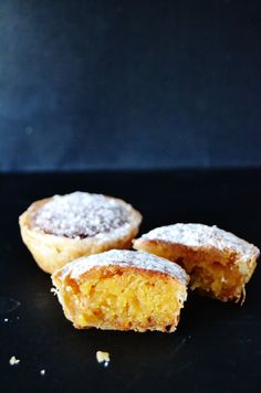 Pastel de Feijao (Pastéis de Feijão): Portugal sweet pie with an almond and bean… Portuguese Desserts, Portuguese Recipes, Portuguese Food, Healthy Desserts, Dessert Recipes, Cooking Time, Cooking Recipes, My Best Recipe, Sweet Cakes