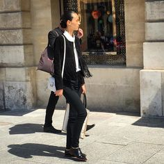 It's the ease with which Parisians pull off that off duty model look that is impressive. Check out the @chloe purse and the leather fringe jacket. You can do this too. And we are sure you can find similar items on the app. #ootd #style #pfw #Paris #couture #streetstyle #fashion #glamhive #parisdispatch #chloe