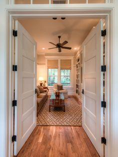 5 Panel Interior Doors Design Ideas, Pictures, Remodel and Decor Shaker Interior Doors, Door Design Interior, Interior Detailing, Shaker Doors, Home Building Design, Family Room Design, Family Rooms, White Doors, Indie