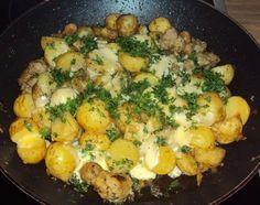 pour un repas vite prêt le soir en rentrant du boulot, cette poêlée nous a beaucoup plu !! --> dans une grande poele ou un wok, rissoler un oignon haché avec la chair de 2 ou 3 saucisses (ou des chipolatas), laisser fristouiller jusqu'à ce que la viande...