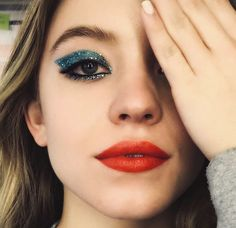 Euphorie Make Up Sieht Hbo Jules Rue Maddy Zendaya Makeup Goals, Makeup Inspo, Makeup Art, Makeup Inspiration, Beauty Makeup, Makeup Tips, Makeup Trends, New Makeup Ideas, Movie Makeup