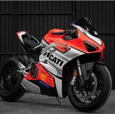 Ducati by Juampi* Ducati 999, Ducati Motorbike, Enduro Motorcycle, Racing Motorcycles, Motorcycle Style, Motorcycle Girls, Motorcycle Quotes, Vintage Motorcycles, Tracker Motorcycle