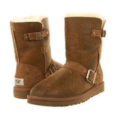 W Ugg - Classic Short Dylyn Classic Ugg Boots, Ugg Classic Short, Shoe Closet, Bearpaw Boots, Ugg Australia, Uggs, My Style, Shoes, Formal Outfits