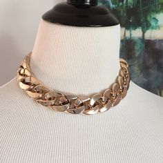 NEW!! Metal Look Chain Link Necklace NEW!! Metal look, light weight chain link necklace. Very chic! Jewelry Necklaces