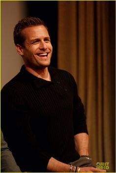 Gabriel Macht (Harvey Specter in Suits) mmm love the suits guys.that smile *melt* Trajes Harvey Specter, Harvey Specter Suits, Suits Harvey, Suits Tv Series, Suits Tv Shows, Gabriel Macht, Look At You, How To Look Better, Suits Usa