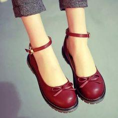 Retro cute bow Leather shoes from Women Fashion - schuhe - Pretty Shoes, Beautiful Shoes, Red Shoes, Me Too Shoes, Women's Shoes, Golf Shoes, Mules Shoes, Nike Shoes, Europe Fashion