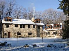 Stunning Stone Luxury Mountain Lodge; A Nature Lovers Paradise; Family Rates!!
