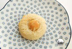 Biscotti con cocco e noci macademia