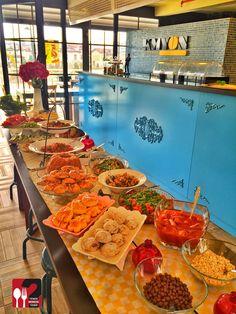 Güneyli Açık Büfe Kahvaltı - Kmyon Taş Fırın Cafe / İstanbul ( Çekmeköy İdealist Park Avm )  Çalışma Saatleri 10:00-22:00 ☎ 0216 3642828 ▫   35 TL / Kişi Başı  Alkolsüz Mekan   Paket Servis Var  Sodexo, Multinet, Ticket Var Daha fazlası için Snapchat : yemekneredeynr takip et... ▫  Sınırız çay servisi ile birlikte, Açık Büfe Kahvaltı servisi Pazar günleri vardır.