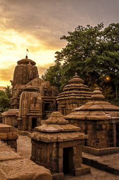 The 5 Best Bhubaneswar Tours, Excursions & Activities 2017 Indian Temple Architecture, India Architecture, Places To Travel, Places To See, Temple India, Hindu Temple, History Of India, City Landscape, Travel Tours
