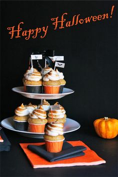 Mini Pumpkin cupcakes with marshmallow frosting