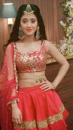 Indian Bridal Lehenga, Indian Bridal Outfits, Indian Bridal Fashion, Indian Designer Outfits, Indian Beauty Saree, Latest Gown Design, Rajasthani Dress, Long Dress Design, Bollywood Dress