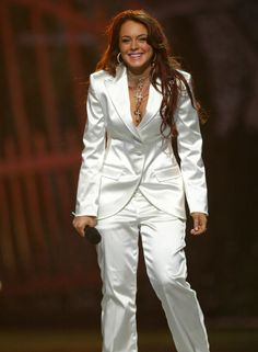 Pin for Later: The MTV Movie Awards Hosts You Probably, Definitely Forgot About Lindsay Lohan, 2004 At 17 years old (and just three months after Mean Girls was released), Lindsay became the youngest star to host the MTV Movie Awards in 2004.